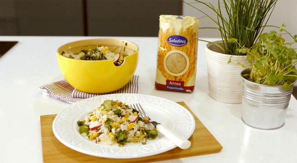 Imagem da receita de salada de arroz fresca